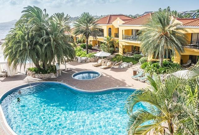 Vakantie Curaçao resort zwembad